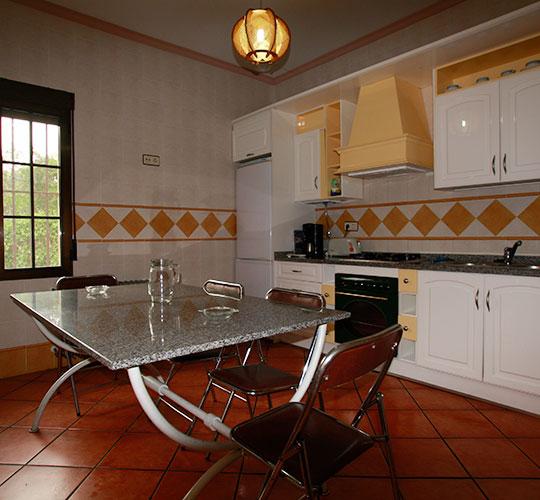 cocina-casa-rural-lahoya
